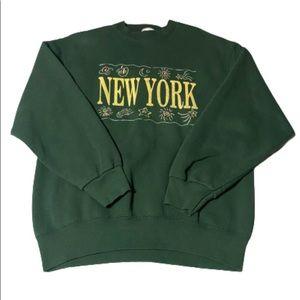 """Vintage 1990s  """"New York"""" Pro Player sweater Large"""